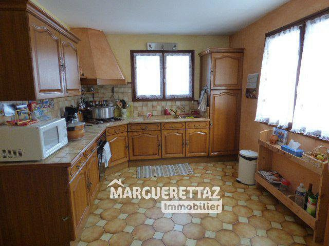 Sale house / villa Bonneville 380 000€ - Picture 5