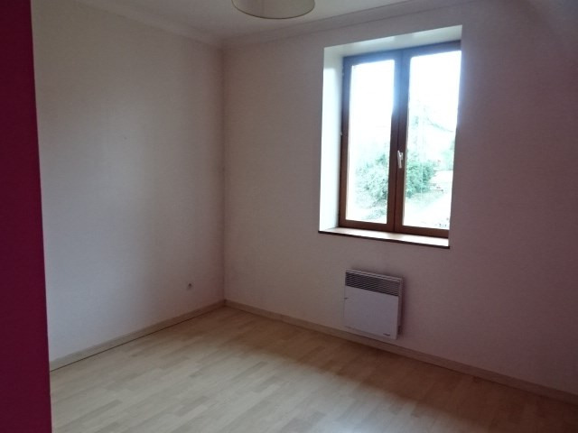 Location maison / villa Theize 907€ CC - Photo 4