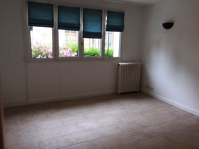 Rental apartment Athis mons 899€ CC - Picture 2