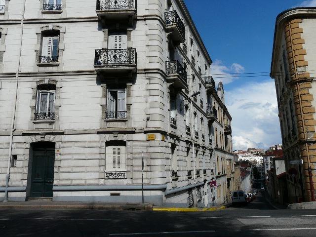 Locação apartamento Saint-etienne 320€ CC - Fotografia 1