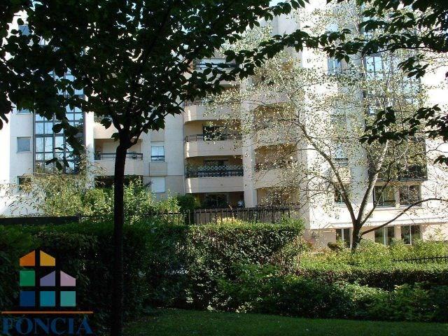 Rental apartment Suresnes 1808€ CC - Picture 9