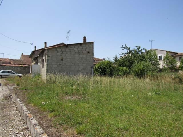 Sale house / villa Saint jean d'angély 37975€ - Picture 2