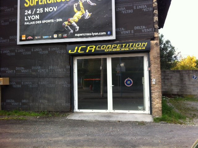 Location local commercial Eybens 5040€ +CH/ HT - Photo 1