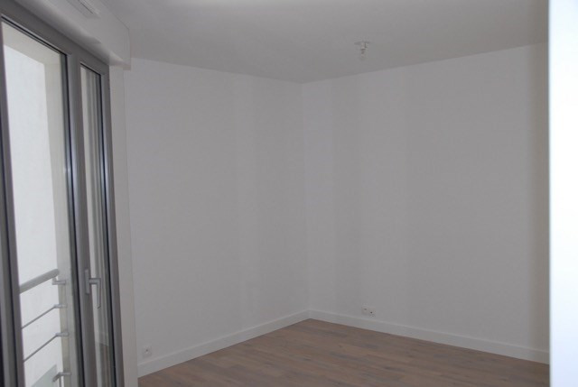 Location appartement Paris 20ème 1 650€ CC - Photo 4