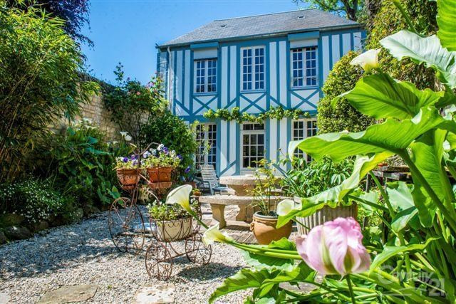 Deluxe sale house / villa Caen 650 000€ - Picture 1