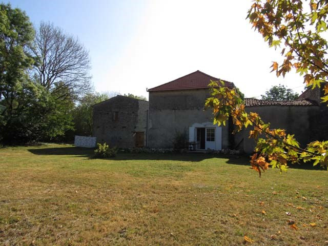 Sale house / villa Saint pierre de l'ile 99 675€ - Picture 3