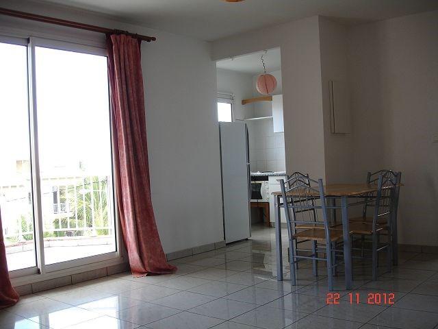 Location appartement Ste clotilde 452€ CC - Photo 1