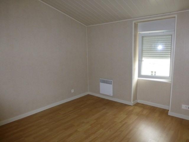 Rental apartment Saint-jean-d'angély 310€ CC - Picture 2