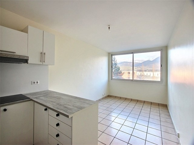 Rental apartment Annecy 666€ CC - Picture 1