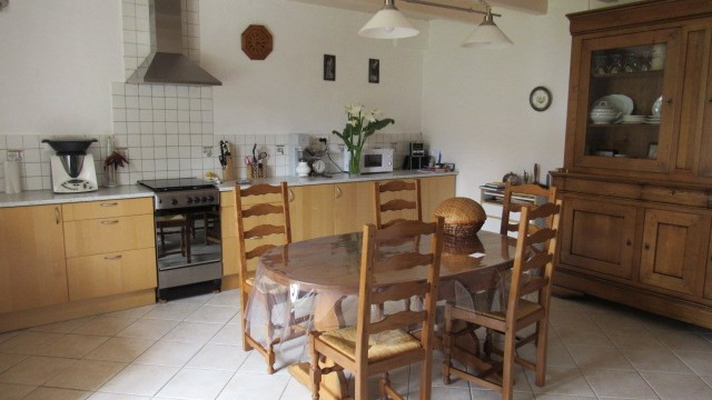 Sale house / villa Villeneuve-la-comtesse 243800€ - Picture 5