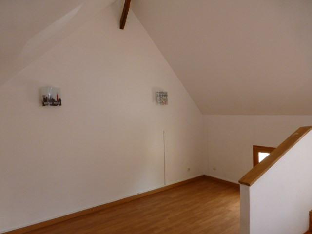 Rental house / villa Freneuse 689€ CC - Picture 11