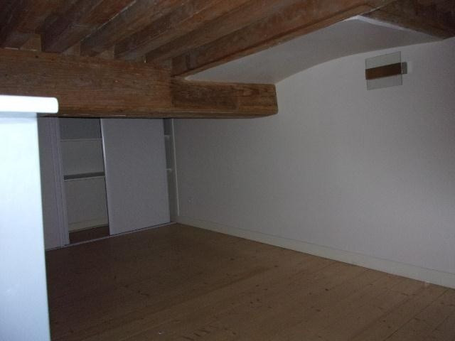Location appartement Lyon 4ème 890€cc - Photo 4