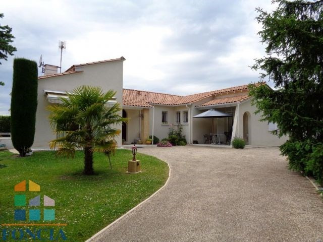 Sale house / villa Bergerac 349 000€ - Picture 1