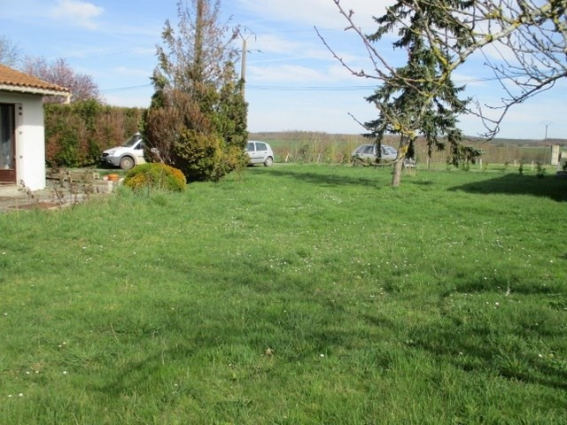 Sale house / villa Loulay 111800€ - Picture 6