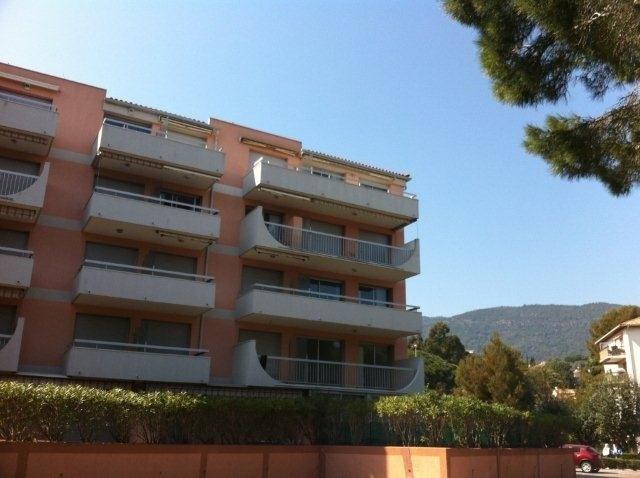 Location vacances appartement Cavalaire 750€ - Photo 15