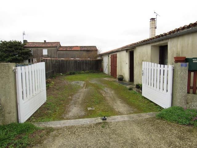 Vente maison / villa Villeneuve-la-comtesse 52900€ - Photo 2