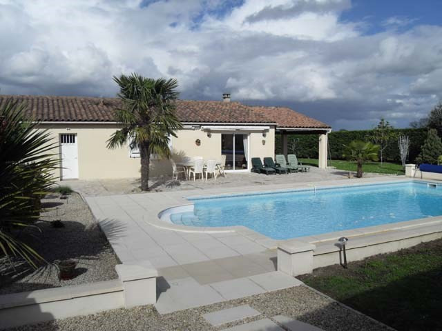 Vente maison / villa Bercloux 212 000€ - Photo 1