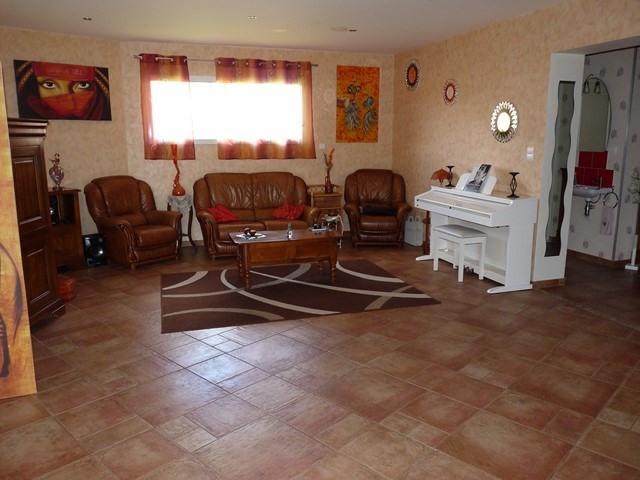 Revenda casa Saint-just-en-chevalet 198000€ - Fotografia 2