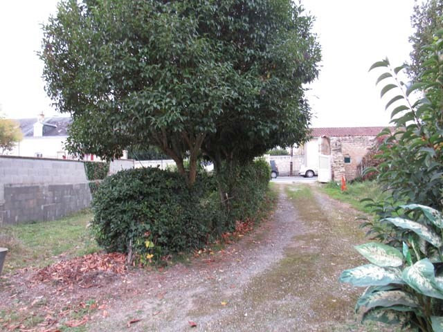 Vente maison / villa Saint jean d'angely 85 500€ - Photo 2