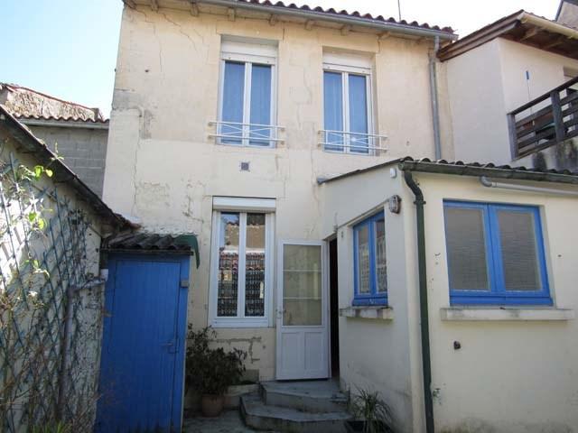 Vente maison / villa Saint-jean-d'angély 90750€ - Photo 2