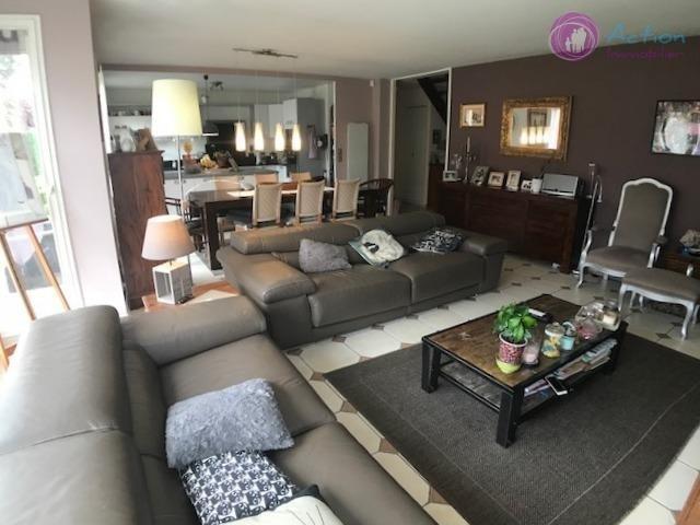 Sale house / villa Lesigny 450000€ - Picture 4