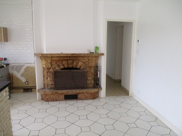 Sale house / villa Loulay 111800€ - Picture 3