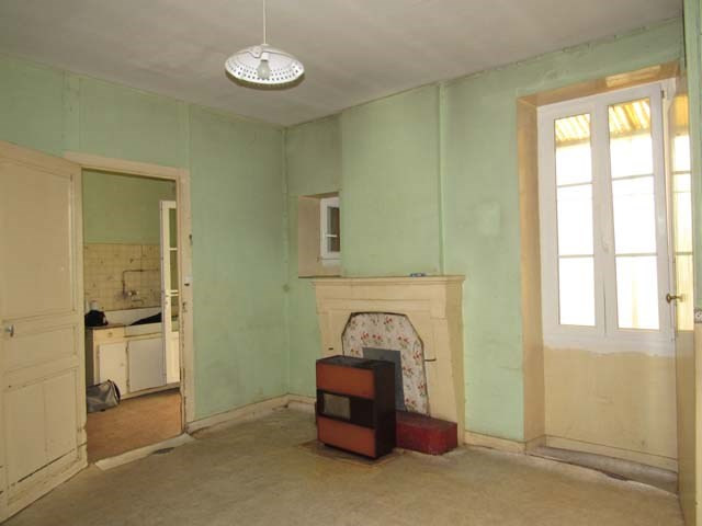 Sale house / villa Saint-jean-d'angély 106 500€ - Picture 3