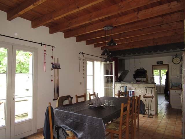 Sale house / villa Vervant 238500€ - Picture 4