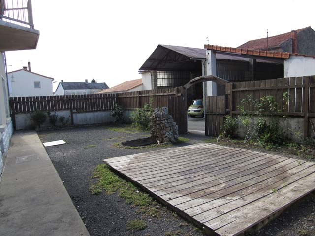 Sale house / villa Loulay 117 000€ - Picture 2