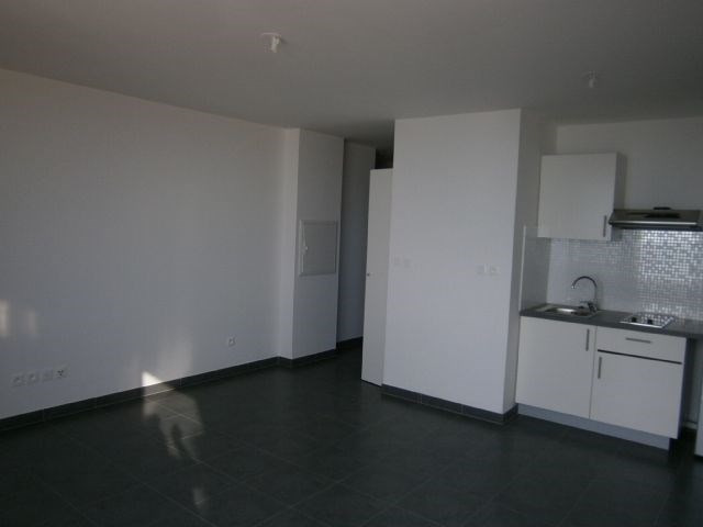 Location appartement St denis 418€ CC - Photo 4