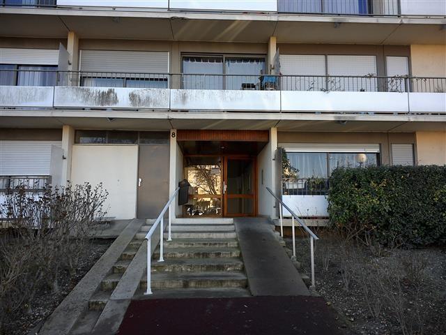 Location appartement Blanquefort 891€ CC - Photo 1