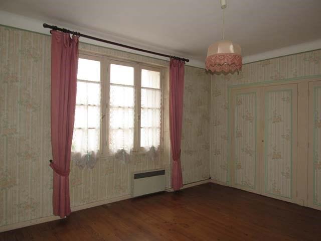 Sale house / villa Saint jean d'angely 132750€ - Picture 4