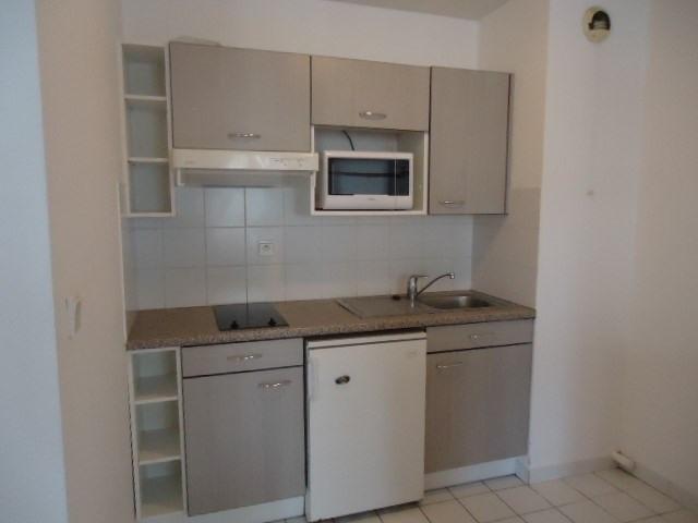 Rental apartment Cognac 343€ CC - Picture 2