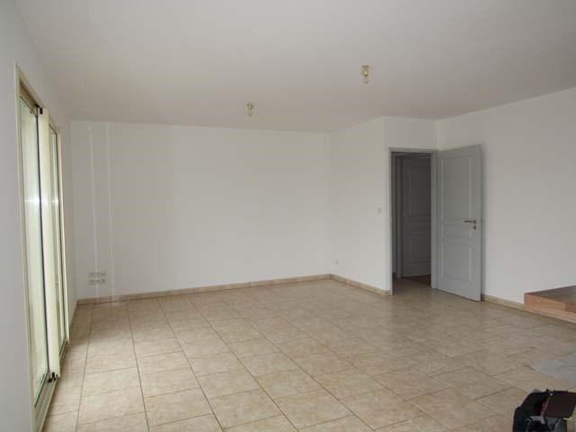 Vente maison / villa Villeneuve-la-comtesse 143700€ - Photo 5