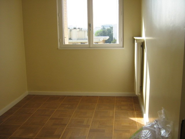 Location appartement Caluire 699€ CC - Photo 2