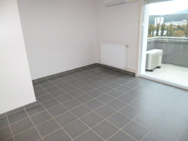 Location appartement Grenoble 645€ CC - Photo 2