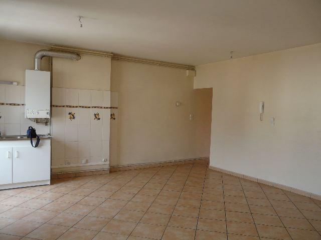 Location appartement Saint-etienne 440€ CC - Photo 2