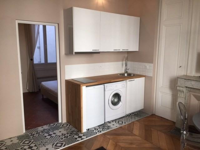 Location appartement Lyon 2ème 815€ CC - Photo 3