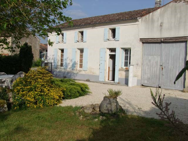 Sale house / villa Varaize 148 500€ - Picture 2