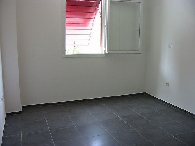 Location appartement Ste clotilde 607€ CC - Photo 4
