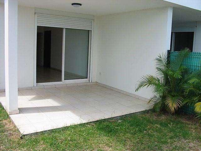 Location appartement Ste clotilde 784€ CC - Photo 1