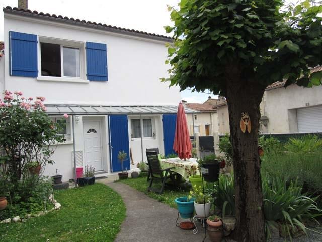 Sale house / villa Saint-jean-d'angély 169600€ - Picture 1