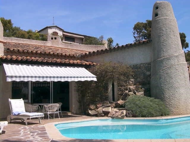 Vacation rental house / villa Les issambres 1 410€ - Picture 1