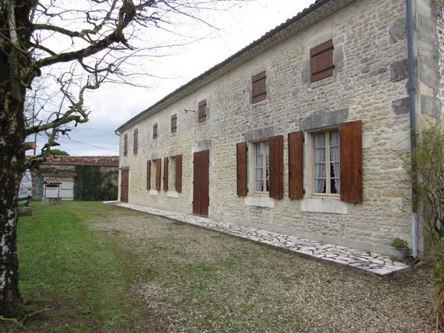 Sale house / villa Saint-martin-de-juillers 122400€ - Picture 1
