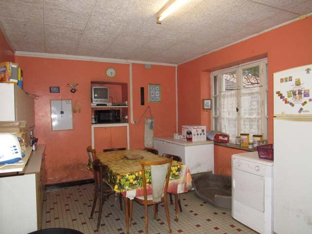 Sale house / villa Loulay 72000€ - Picture 3