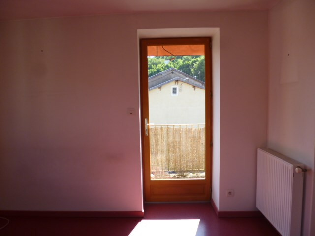 Location appartement Lamure sur azergues 510€ CC - Photo 4