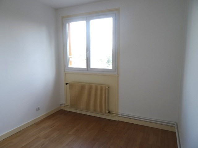 Location appartement Villefranche sur saone 651,84€ CC - Photo 4