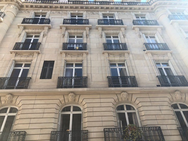 Location bureau Paris 8ème 15 333€ HC - Photo 9