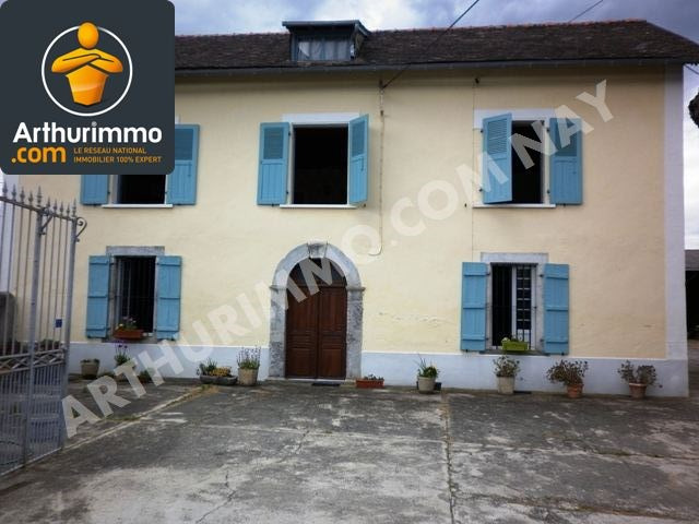 Sale house / villa Nay 229 900€ - Picture 1