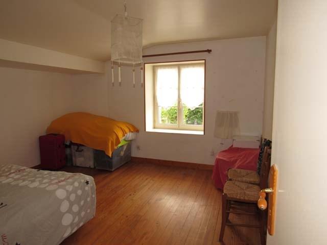 Sale house / villa Saint-jean-d'angély 122400€ - Picture 7
